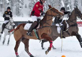 Snow Polo (commons.wikimedia.org)
